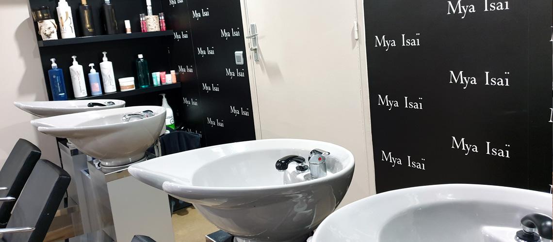 Salon de coiffure Paris 75019 Simon Bolivar bacs soins et massages - Homme Femme Enfants - Coiffage Technique Coloration Balayage Mèches Permanentes Lissage Brésilien et lissage japonais