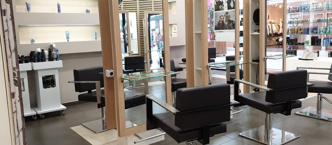 Salon de coiffure Varennes-sur-Seine 77130 technique et Coiffage - centre commercial le bréau à proximité de Monterault-Fault-Yonne - Homme Femme Enfants - Coiffage Technique Coloration Balayage Mèches Permanentes Lissage